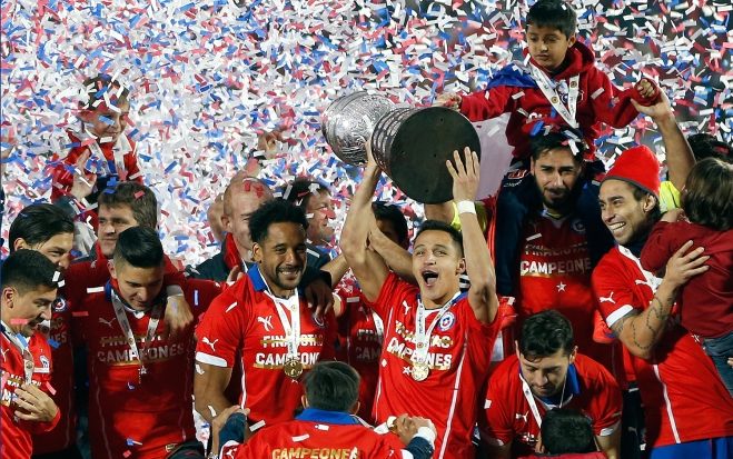 Alexis Sánchez. Celebrando la primera Copa América de Chile.